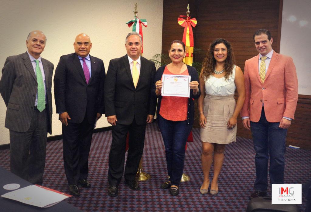 María del Refugio Ruiz Moreno en Capacitación Política durante el 'Seminario Internacional Gobierno Inteligente'